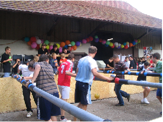 Human Table Soccer in Aktion